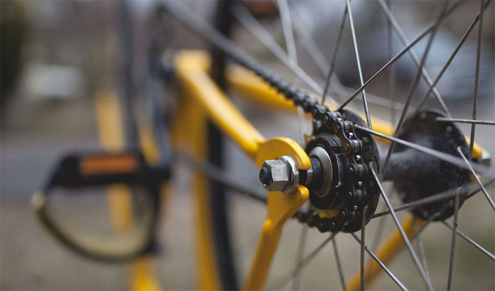 Mladší cyklistkou
